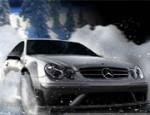 سيارة مرسيدس في الجليد